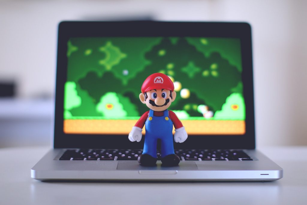 mario na laptopie